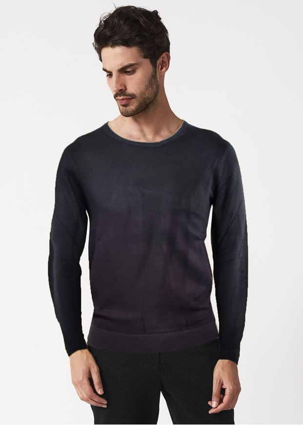 Picture of Gaudi Neck Detailed Textured Knit